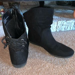 Arizona Jeans black ankle boots size 8.5